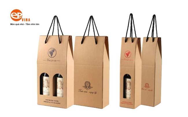 Mẫu túi giấy đựng rượu đơn giản phổ biến