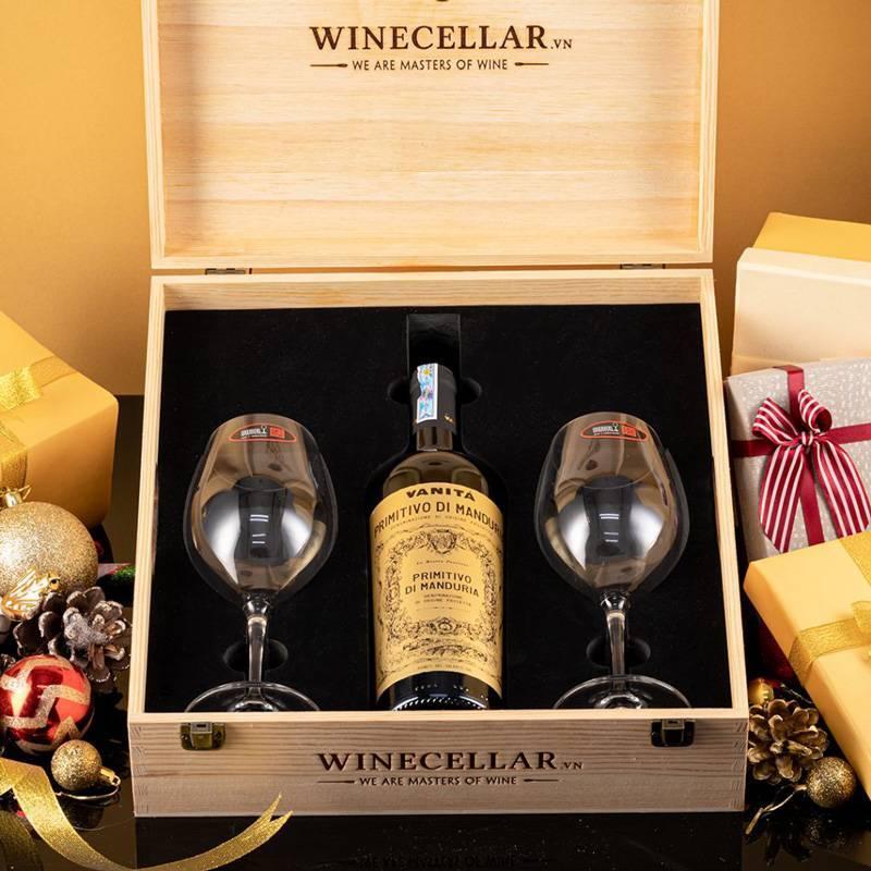 Nên chọn rượu và hộp đựng rượu phù hợp với người nhận