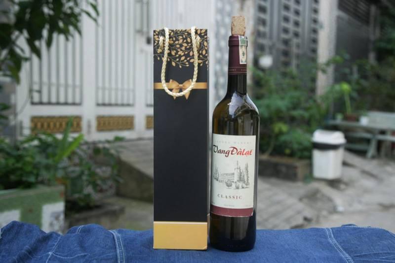 Túi xách đựng rượu có tầm quan trọng vô cùng lớn mà không phải ai cũng biết
