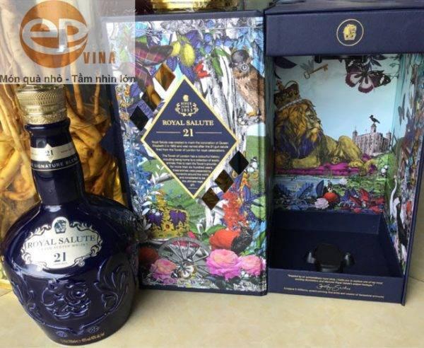 Vỏ hộp rượu Chivas 21